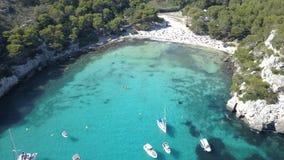 Vogelperspektive eines erstaunlichen Strandes in Menorca Lizenzfreies Stockbild