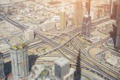 Vogelperspektive eines Landstraßenschnitts stockfotografie