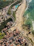 Vogelperspektive eines Strandes Stockfotos