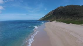 Vogelperspektive: Hawaii-Strand stock video