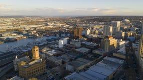 Vogelperspektive-historische Architektur von im Stadtzentrum gelegenem Tacoma und von Thea Foss Waterway stockbild