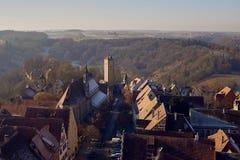 Vogelperspektive historischer Stadt Rothenburg-ob der Tauber im Stadtzentrum gelegen lizenzfreie stockfotografie