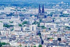 Vogelperspektive Köln mit Köln-Kathedrale stockbilder