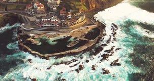 Vogelperspektive 4k von Porto Moniz bei Sonnenuntergang, Madeira-Insel, Portugal stock footage