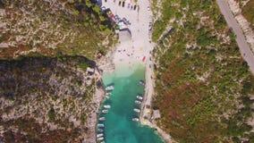 Vogelperspektive 4K von Strand Porto Vromi in Insel Zakynthos Zante, in Griechenland stock video