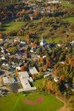Vogelperspektive ländlicher Vermont-Stadt. Stockfotos
