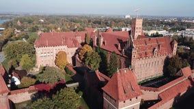 Vogelperspektive-Malbork-Schloss in der Pommernregion von Polen stock video
