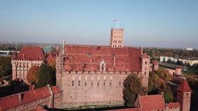 Vogelperspektive-Malbork-Schloss in der Pommernregion von Polen stock footage