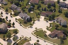 Vogelperspektive-Nachbarschafts-Häuser und Haus in der Sackgasse Stockbild