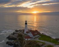Vogelperspektive-Portland-Kopf-Leuchtturmturm Staat Maine lizenzfreie stockfotografie