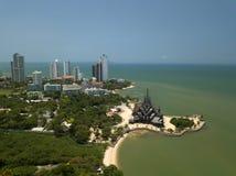 Vogelperspektive-Schongebiet der Wahrheit ist gigantischer hölzerner Bau in Pattaya, Thailand stockfotografie
