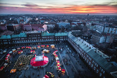 Vogelperspektive Szeged Advent Christmas Market bei Sonnenuntergang Stockfotos