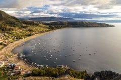 Vogelperspektive am Titicaca See in Copacobana, Bolivien stockfotografie