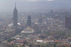 Vogelperspektive verunreinigter Mexiko- Citymitte Lizenzfreies Stockbild
