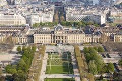 Vogelperspektive vom Eiffelturm auf Champ de Mars - Paris. Lizenzfreies Stockbild