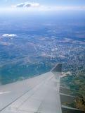 Vogelperspektive vom Flugzeugfenster Stockfotos