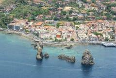 Vogelperspektive von Aci Trezza Stockfotos