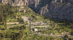 Vogelperspektive von altem Delphi, das berühmte Schongebiet in Mittel-Griechenland stockbilder