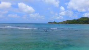 Vogelperspektive von Baie Lazare Beach, Mahe Island, Seychellen 6 stock video footage