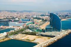 Vogelperspektive von Barcelona vom Meer Stockfotografie
