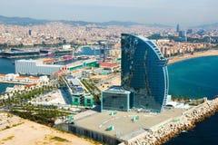 Vogelperspektive von Barceloneta von der Seeseite Barcelona stockfotografie