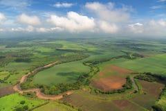 Vogelperspektive von Bauernhoffeldern in Costa Rica Stockfoto