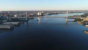 Vogelperspektive von Ben Franklin Bridge Philadelphia stock footage