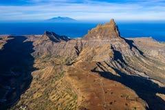 Vogelperspektive von Brianda-Berg in Rebeirao Manuel in Santiago-Insel in Kap-Verde - Cabo Verde stockfotografie