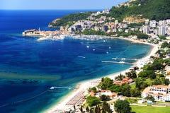 Vogelperspektive von Budva, Montenegro auf adriatischer Küste Stockfotografie