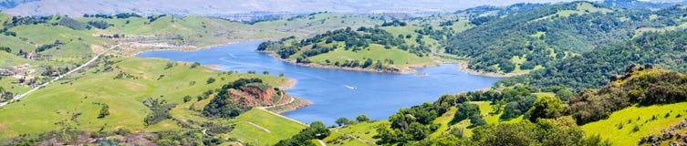 Vogelperspektive von Calero-Reservoir, Calero-Grafschaftspark, Santa Clara County, Süd-San Francisco Bay Bereich, San Jose, Kali lizenzfreies stockbild