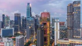 Vogelperspektive von Chinatown und Downotwn von Singapur-Tag zum Nacht-timelapse stock footage