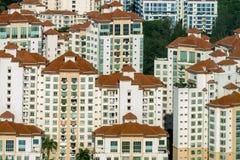Vogelperspektive von Dachspitzenmustern an Wohngebiet Tanjong Rhu von Singapur Stockfotografie