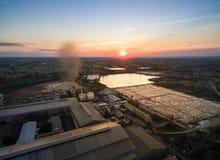 Vogelperspektive von der Brummenzuckerfabrik mit Abwasserbehandlung Lizenzfreies Stockbild