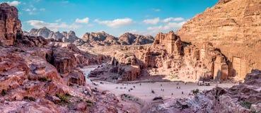 Vogelperspektive von der Weise zum hohen Opfer über PETRA, Jordanien stockfoto