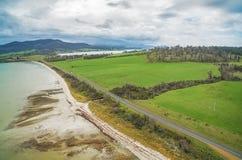 Vogelperspektive von Dunnaley-Bucht, Tasmanien Stockfotos