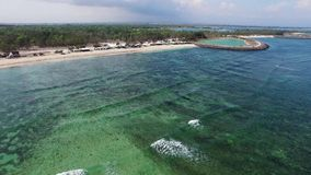 Vogelperspektive von enormen Wellen im Indischen Ozean stock video footage
