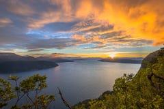 Vogelperspektive von Fjorden um Vestnes in Norwegen stockbild