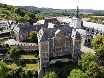 Vogelperspektive von Floreffe-Abtei während des Sommertages, stockfotografie