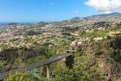 Vogelperspektive von Funchal-Straße und von Tunnel, Madeira stockbilder