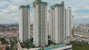 Vogelperspektive von Gebäuden eines Wohnkomplexes in Jakarta indonesien stock footage