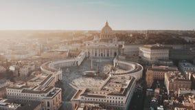 Vogelperspektive von gedrängten St Peter Quadrat in der Vatikanstadt lizenzfreie stockbilder