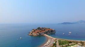 Vogelperspektive von Hotels auf der Insel, Montenegro, Sveti Stefan 6 stock video footage