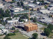 Vogelperspektive von im Stadtzentrum gelegenem Seattle im Bau errichtend Lizenzfreies Stockfoto