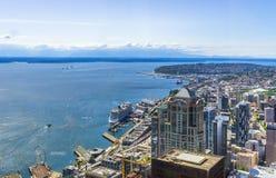 Vogelperspektive von im Stadtzentrum gelegenen Seattle-Bezirken stockfotos