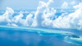 Vogelperspektive von Insel in Malediven Stockfotografie
