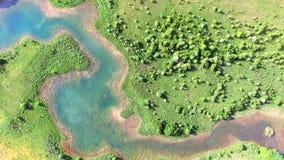 Vogelperspektive von Jesenica Fluss und Umgeben in der kroatischen Region Lika stock footage