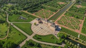 Vogelperspektive von Konstantinovsky-Palast in Strelna, St Petersburg Lizenzfreies Stockfoto