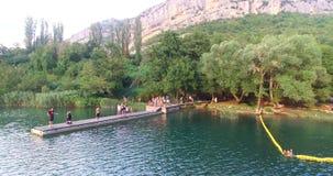 Vogelperspektive von Krka-Fluss stock video