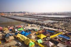 Vogelperspektive von Kumbh Mela Festival in Allahabad, Indien lizenzfreies stockbild