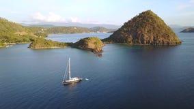 Vogelperspektive von Labuan Bajo in Flores-Insel stock video footage